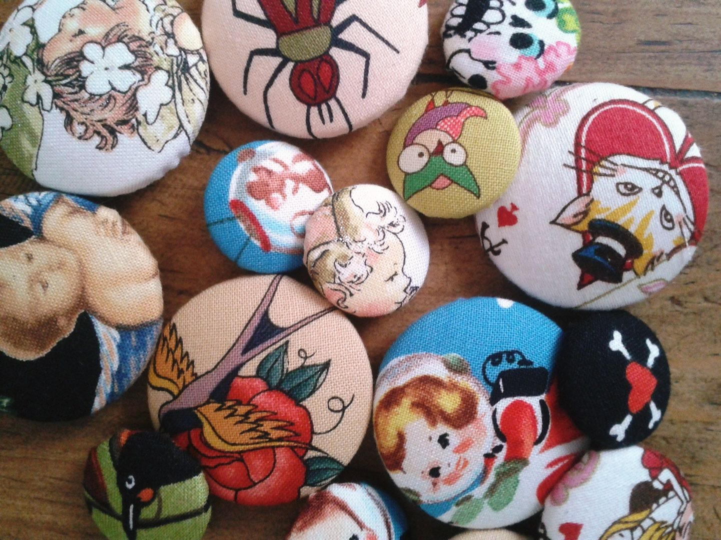 HP - retro buttons3