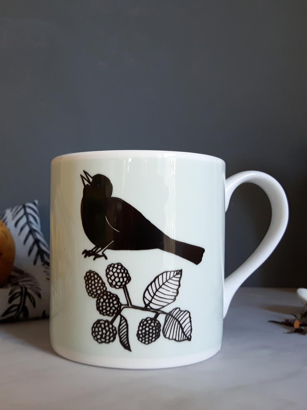 Maurice-mug-on-dark