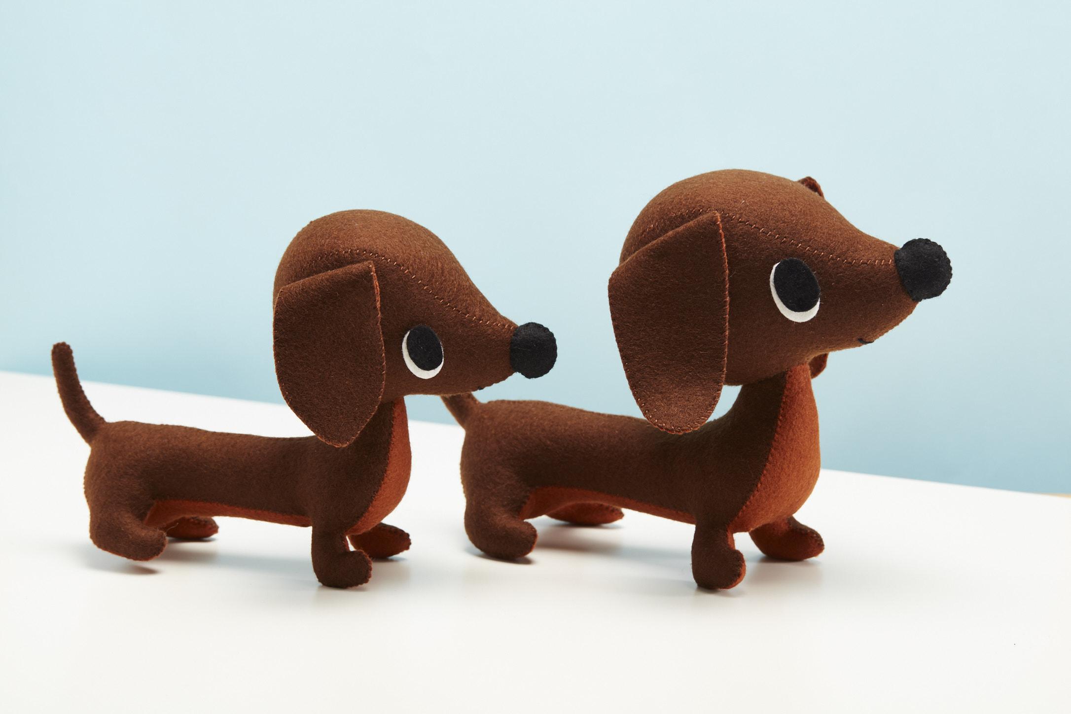 dachshunds - Felt animal Stitch Studio
